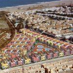 Imagen aérea. A 400 m de la playa, bajando la calle sin necesidad de cruzar carreteras